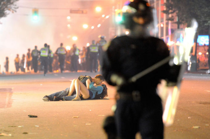 Vancouver Riots Kiss by Richard Lam, 2011